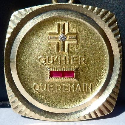 '+ QU'+ QU'HIER - QUE DEMAIN ' THE 70'S CHARM PENDANT SIGNED A.AUGIS