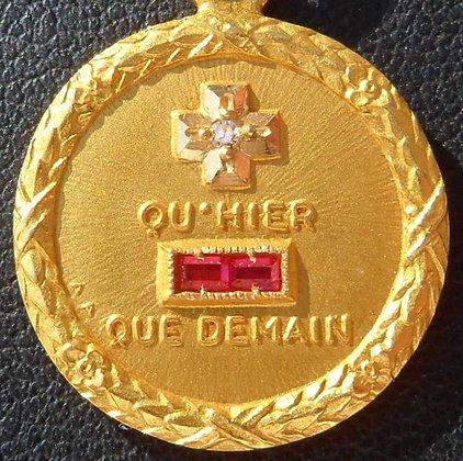 VINTAGE FRENCH '+ QU'HIER - QUE DEMAIN ' THE 50S PENDANT, SIGNED AUGIS