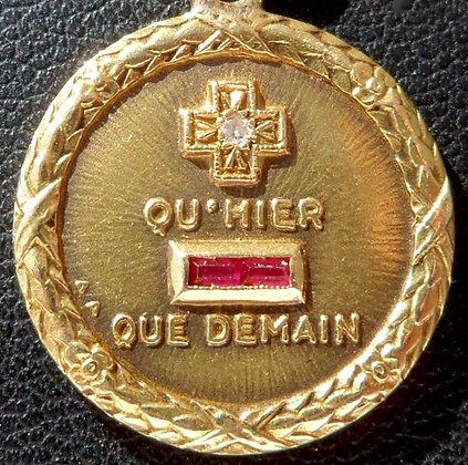 GORGEOUS FRENCH '+ QU'HIER - QUE DEMAIN ' THE 40S CHARM PENDANT, SIGNED AUGIS