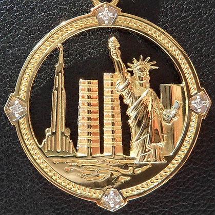 VINTAGE FRENCH ' NEW YORK CITY ' CHARM / PENDANT