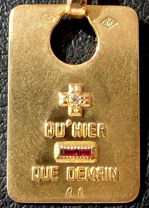 VINTAGE FRENCH '+ QU'HIER - QUE DEMAIN ' THE 90S CHARM PENDANT, SIGNED A.AUGIS