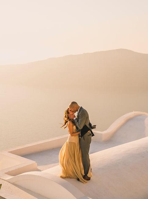 Wedding videographer Santorini , Mykonos , Greece
