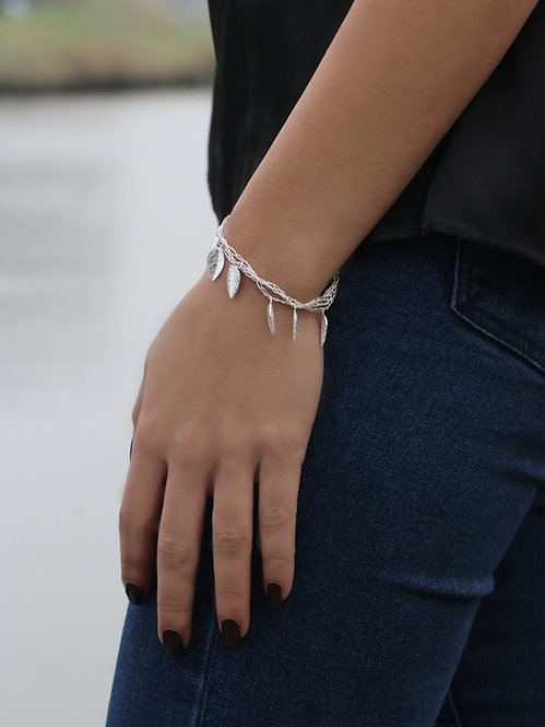 Silk Bracelets - Silver Leafs