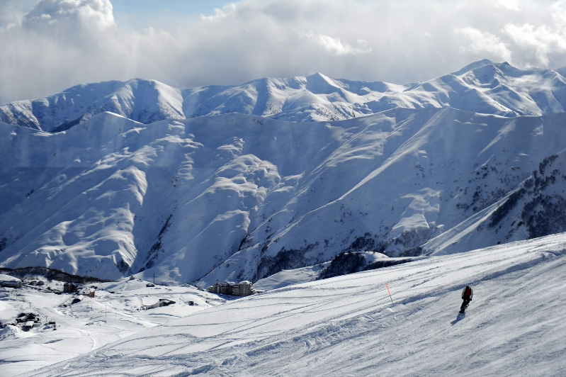skiing-at-gudauri-ski-resort-georgia