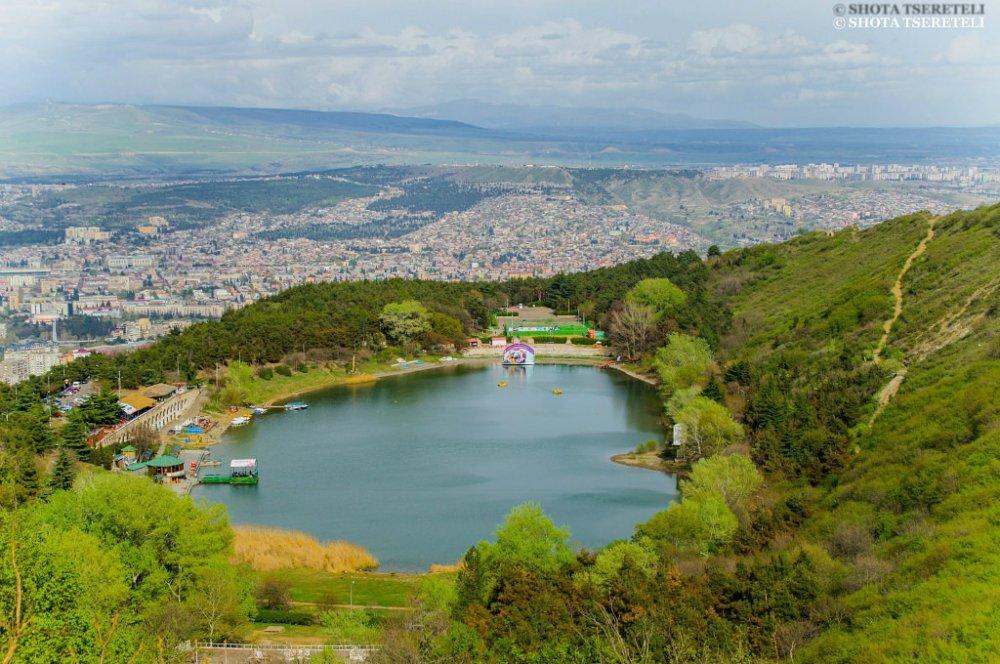 Turtle lake tbilisi