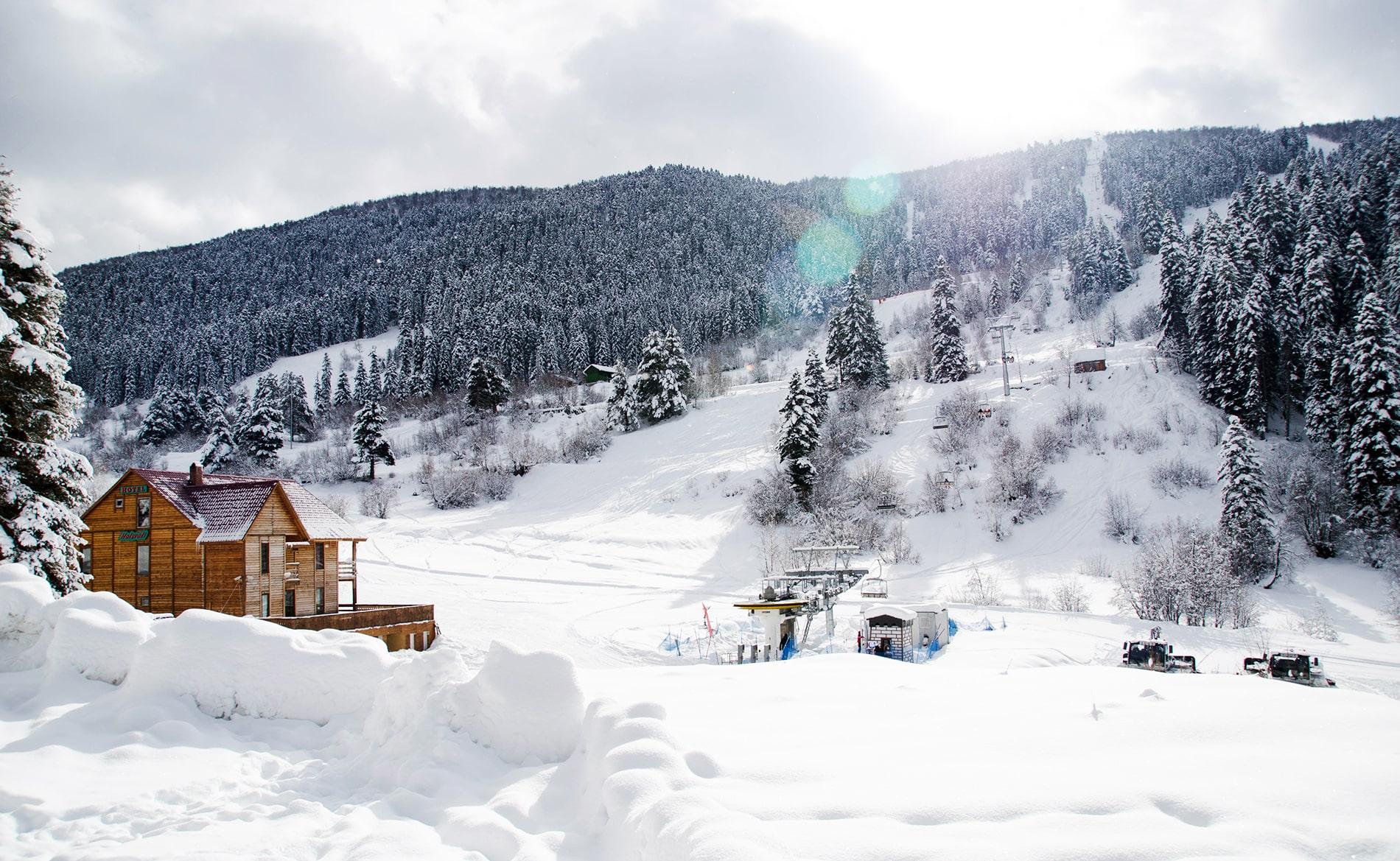 Georgian-mountain-skiing