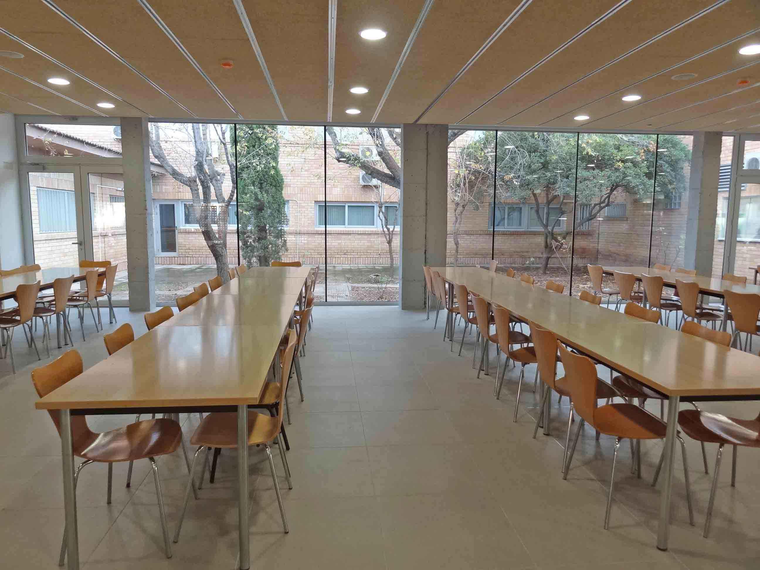 02-CAFETERIA-INEFC-2011-11-07-obra-acabada-(2).jpg
