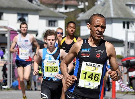 Fredrikstadløpet- Solomon løp halvmaraton!