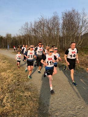 """64 deltakere løp """"Kjell Halvarssons Minneløp"""" i strålende sol!"""
