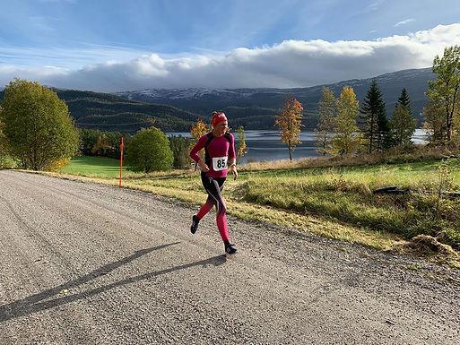Seier til Kathrine Hovd og Ole Leirvik i Åpent Botnanmesterskap i Landevegsløp!