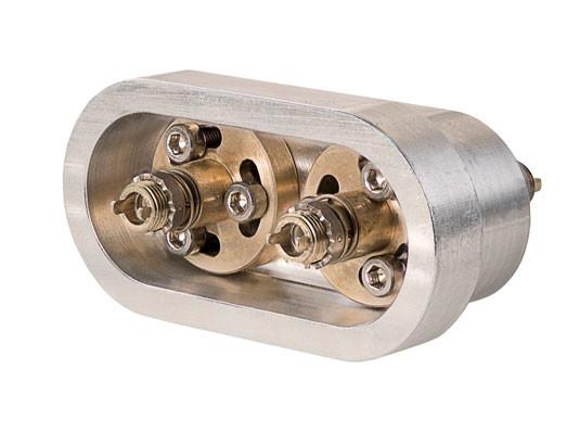 Dual Vacuum Feedthrough Mini-Avim.jpg