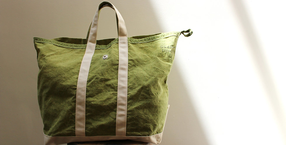 Wax Canvas Tote wite Flap Olive