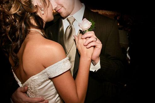 זוג מתחתן שידוכים עם אלי שטרול