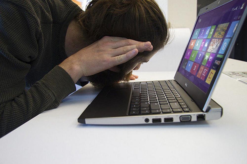 Почему шумит ноутбук?
