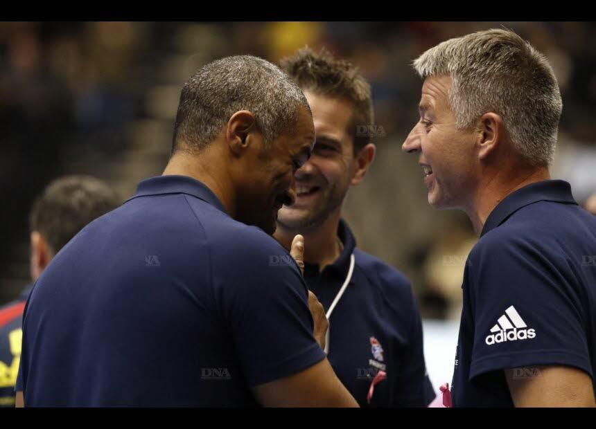 L'Alsacien Jean-Luc Kieffer (à droite, avec Didier Dinart et Guillaume Gille) est le tout premier entraîneur des gardiens de l'équipe de France. Photo FFHB /Stéphane PILLAUD