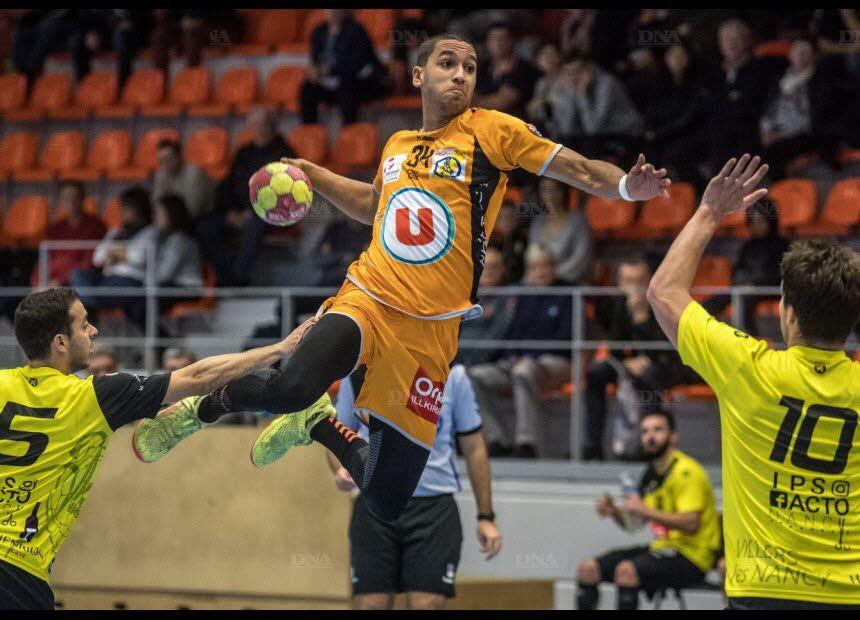 Lenny Bouhzam et ses coéquipiers ont laissé échapper une victoire qui leur tendait les bras. Photo DNA /Marc ROLLMANN