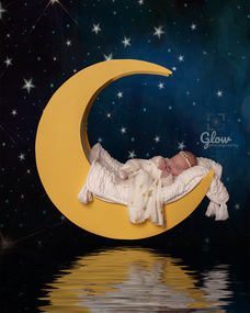 Dreaming with the moon, Adelaide newborn photography session, June 2021