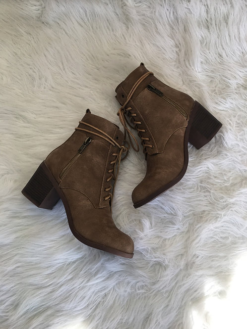 Chas Bootie