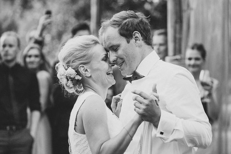 Brautpaar beim ersten Tanz