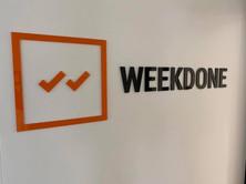 Weekdone mahuline akrüüllogo