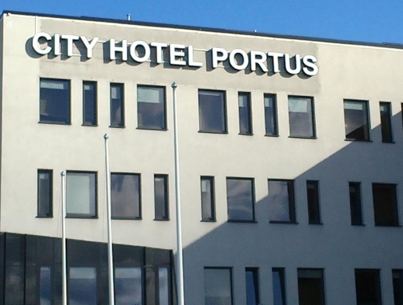 City Hotel Portus valgustähed