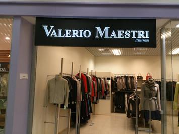 Valerio Maestri valguskast