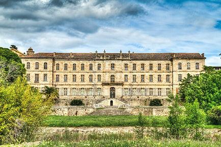 Façade_cote_jardin_du_château_de_cassan.