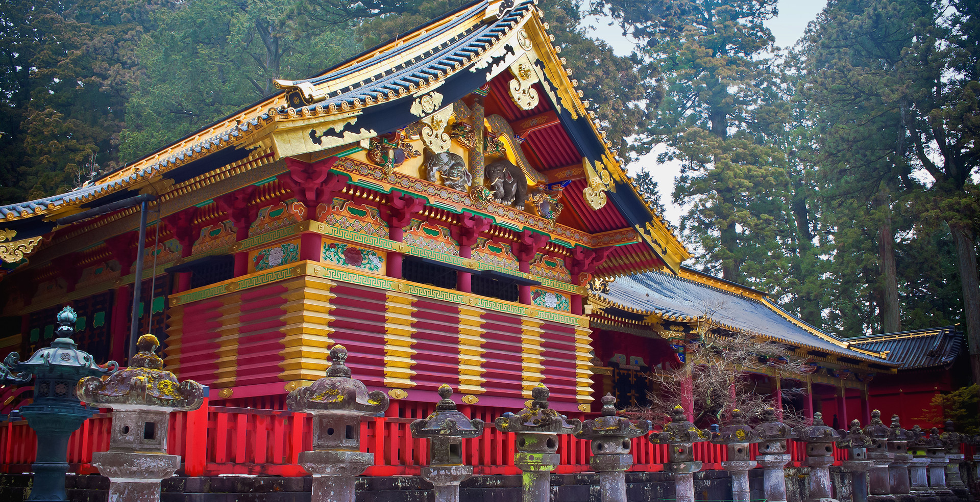 Toshogu Shrine in Winter, Nikko, Japan.j