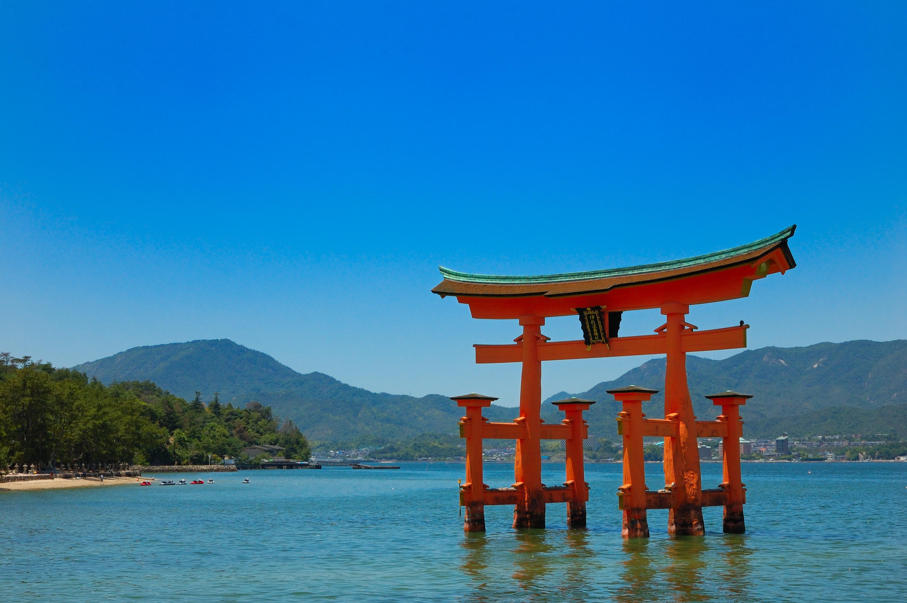 itsukushima_hiroshima_japan