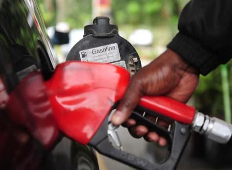 Gasolina pode chegar a R$ 5 reais em SC, analisa sindicato dos postos de combustíveis