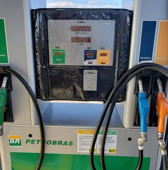 Petrobras reajusta o preço da gasolina