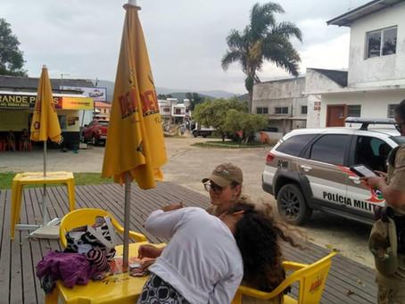 POLICIAIS MILITARES LOCALIZAM CRIANÇA DESAPARECIDA EM GAROPABA
