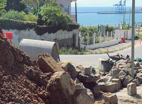 Prefeitura recupera sistema de drenagem na entrada do bairro Vila Nova Alvorada
