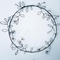 éclosion florale fil de fer.jpg