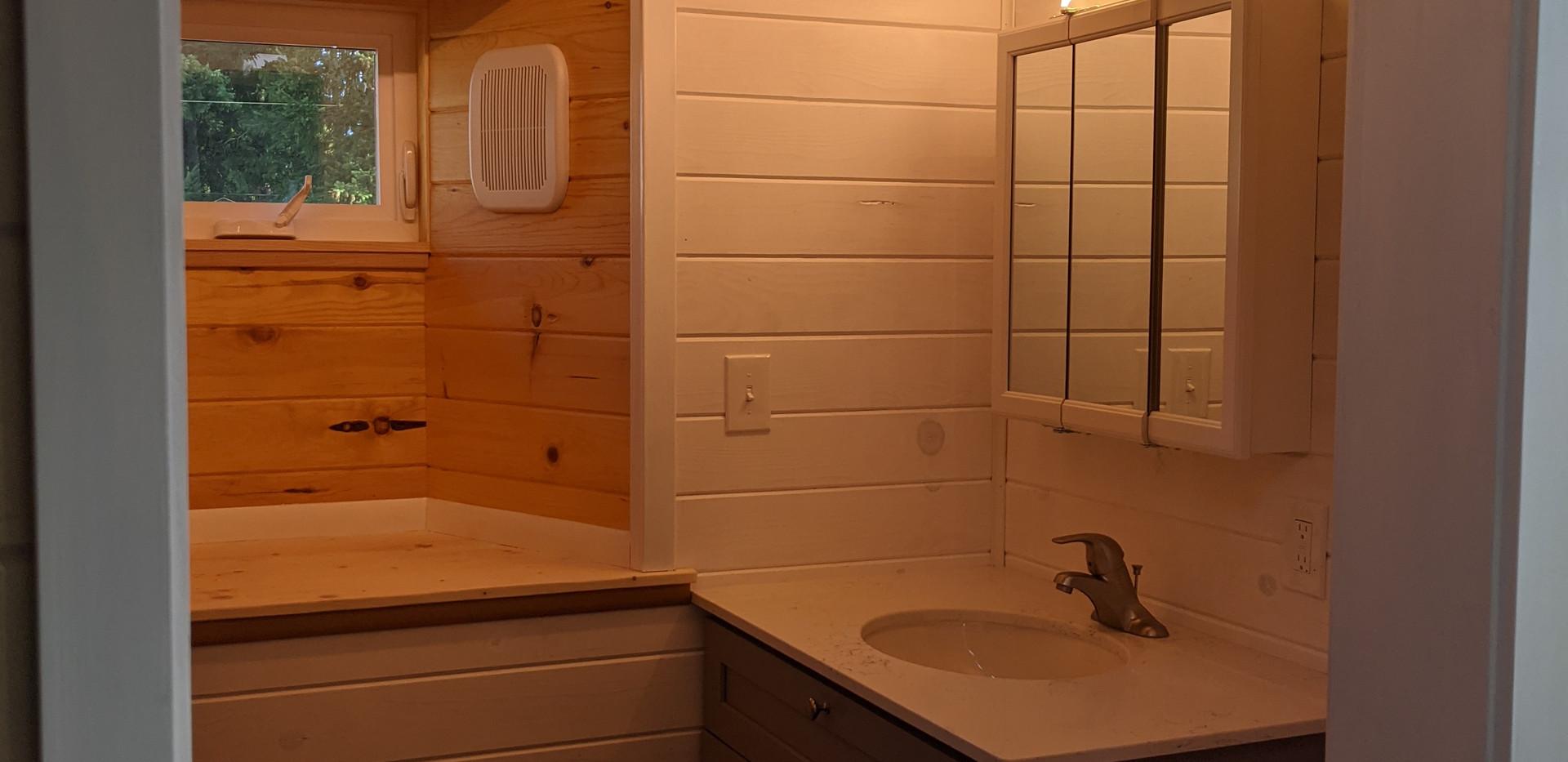 LED strip lighting/ bathroom