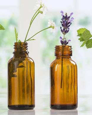 huiles-essentielles-et-cosmetique.jpg