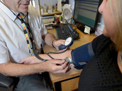 Help a Hungry Child: NHS doctors to pilot food prescriptions as poverty soars