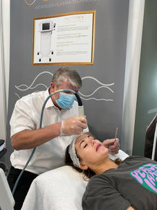 Tyrone our Clinical Manager performing more full face treatments.