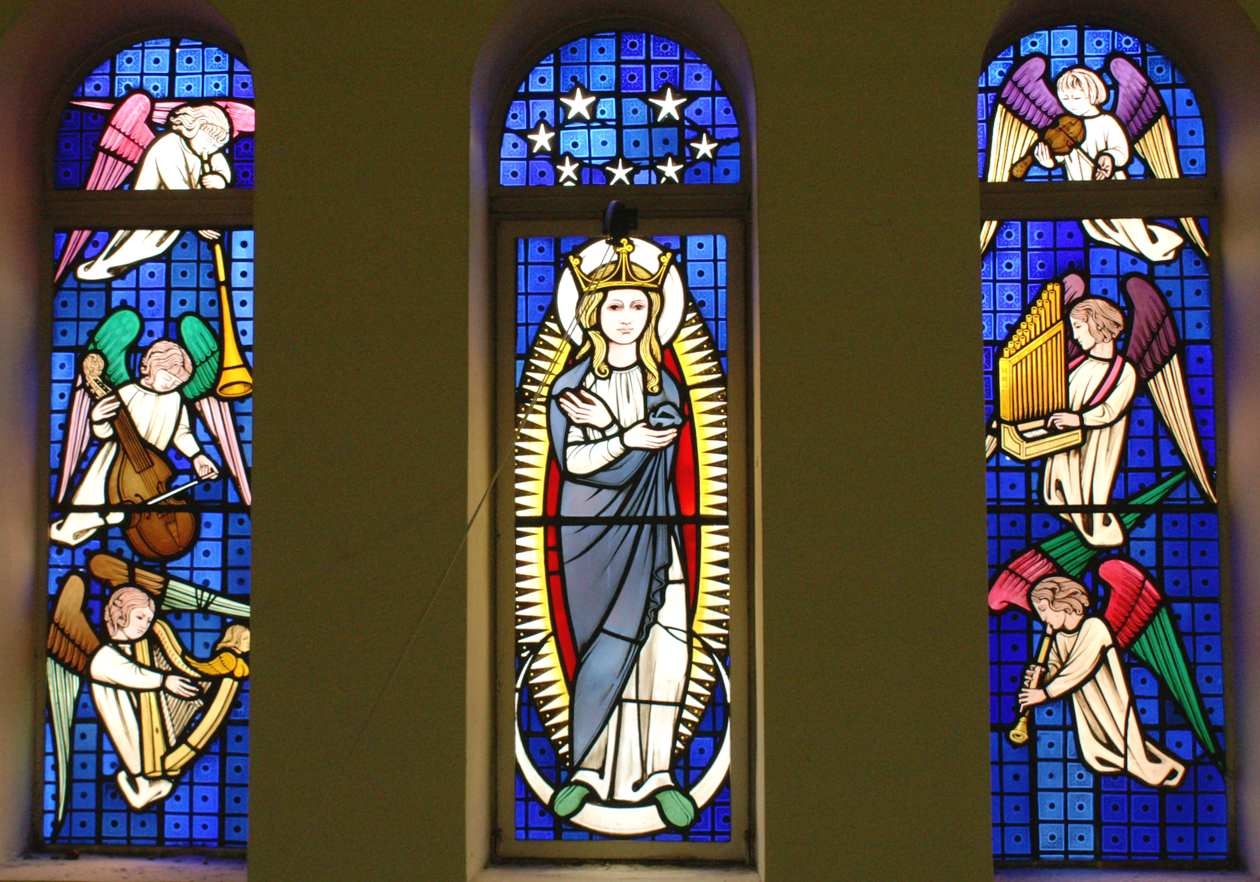 St. T's stained glass 040