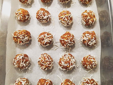 Raw (No-Bake) Carrot Cake Energy Bites