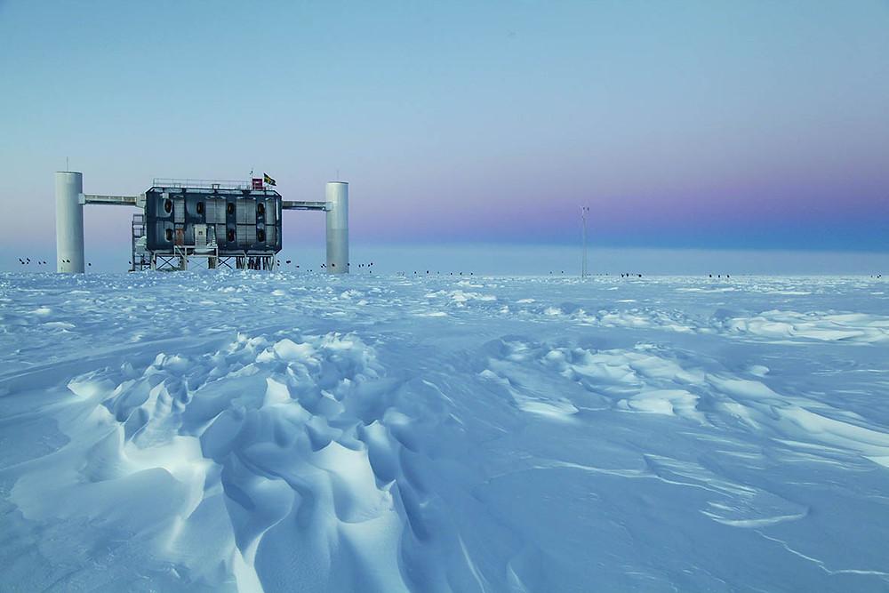 "Foto: "" IceCube"" ©: Sven Lindstrom, IceCube/NSF"