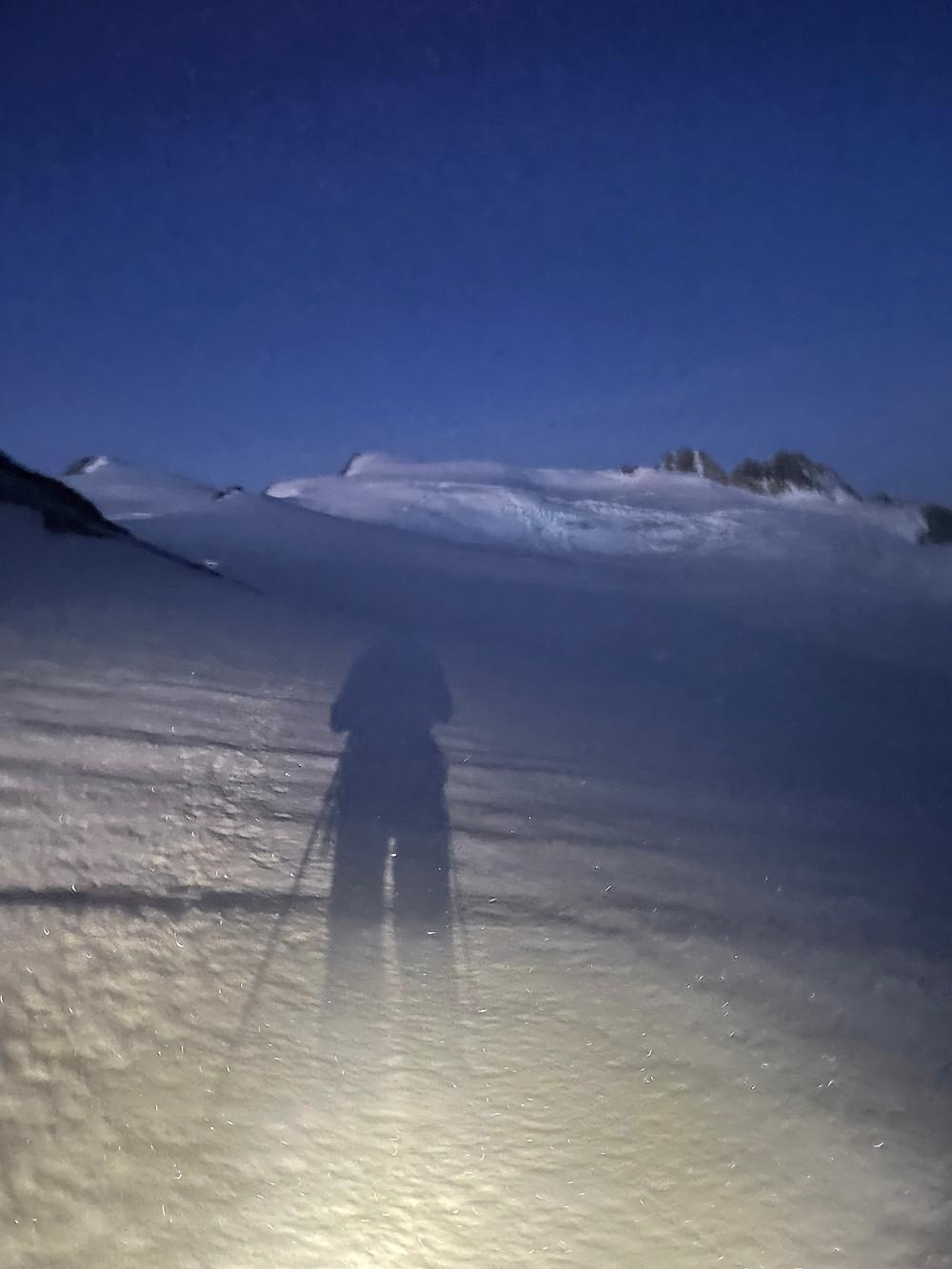 Ombre et lumiere sur glacier, plateau d'herens, guide de montagne