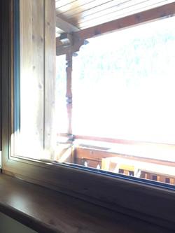 Finestra con davanzale in PVC