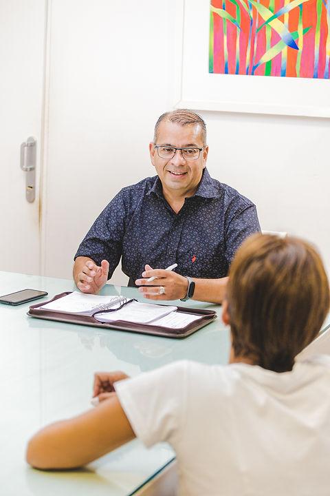 Consulta Ángel Adrián Fernández.jpg