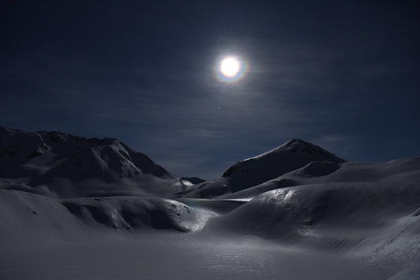 7月27日例会 大和田武司 月光の雪原.JPG