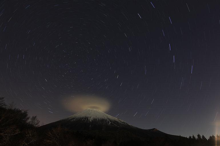 河合定夫1 年越しの夜空.jpg