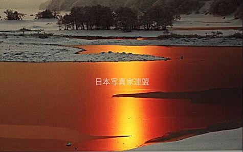 暁の秋元湖のコピー.jpg