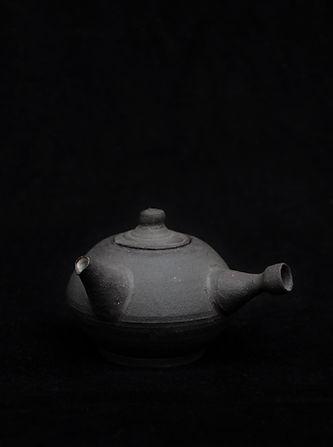 Black bird teapot #001