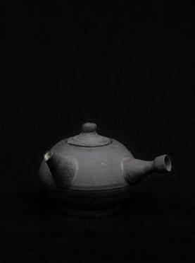 Black bird teapot
