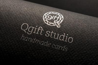 09-logo-mockup.jpg